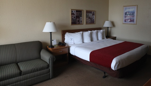 Double or single rooms at Whitten Inn with continental breakfast